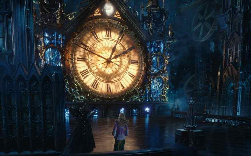 alice-through-the-looking-glass-clock-xlarge